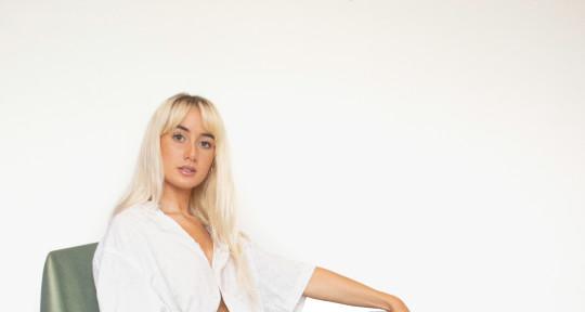 Vocals | Songwriter  - Eiza Murphy