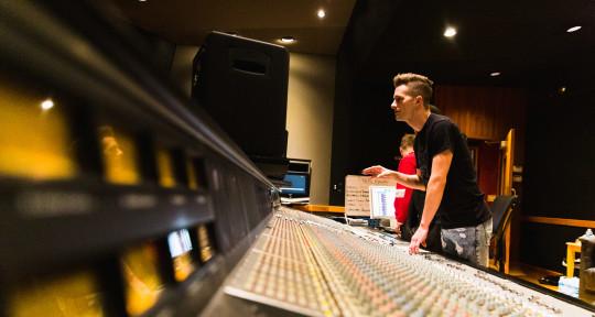 Producer, Mixing, Guitar - Lukas Bracewell