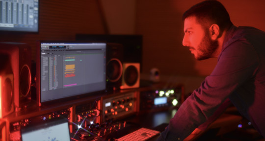 Film Composer, Mix & Mastering - Alan Senderowitsch - Cromo