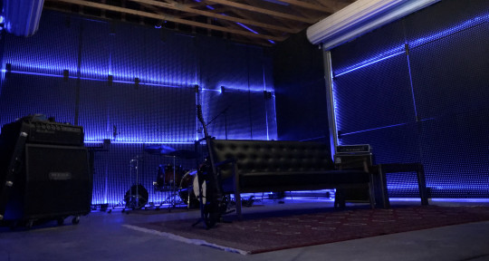 Recording studio, Live session - Dharma Sound Studios