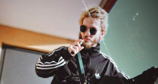 I rap write lyrics and sing - JakeFrozt