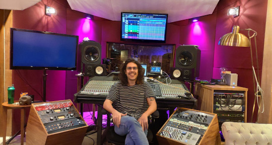 Remote editing and mixing  - Leandro Bessa