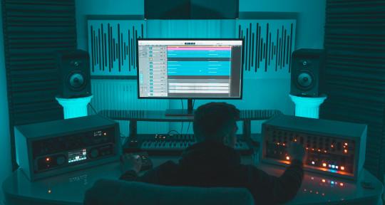 Mixing & Mastering Engineer - Fabian Brendel