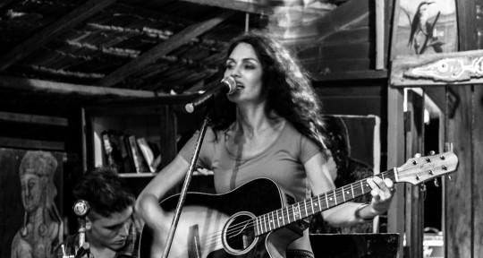 Singer, Songwriter, Hitmaker - Mary J
