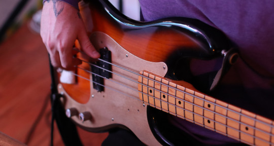 Rootsy Fender Bass - KENNYMAKESMUSIC