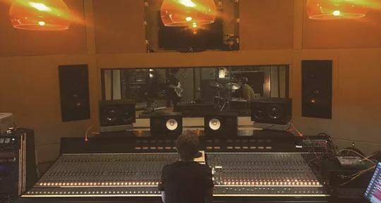 Mixing engineer - Luke MT