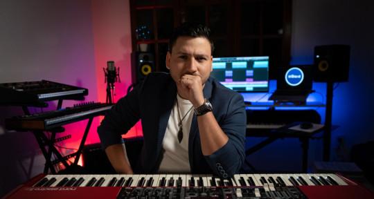 Piano | Keyboard | M. Producer - Cristian Piedrahíta Music