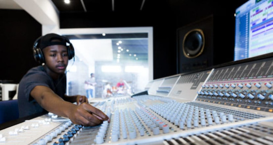 Mixing and mastering songs - Awgkiid