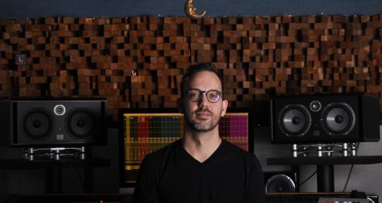 Producer | Mixer - Christopher Newton