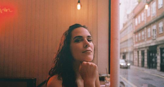 Versatile Vocalist - Chiara
