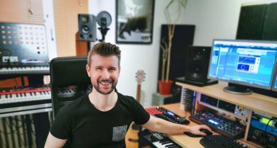 Producing, Mixing, Keys - Daniel Dittmann