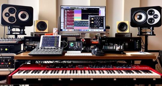 """Mixing Engineer - Alex """"1nine"""" Sarpong"""