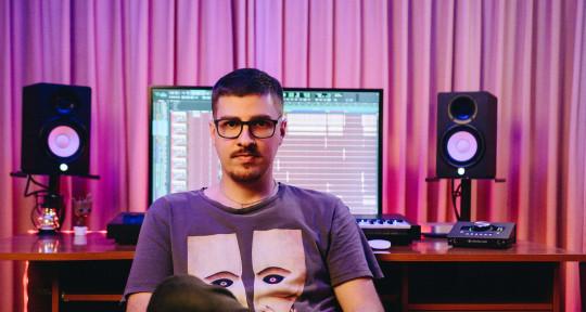 Music producer - Guitarist - El Rosa