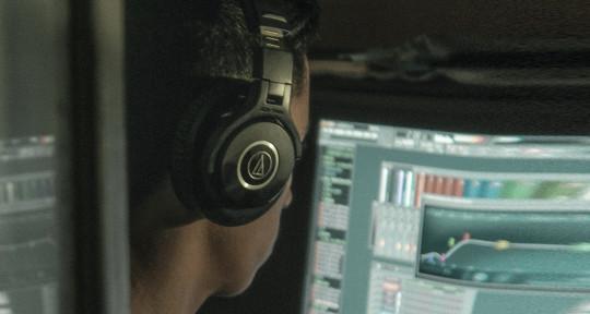 Music Producer - Unnes96odt