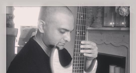 Bass player - Vidjai