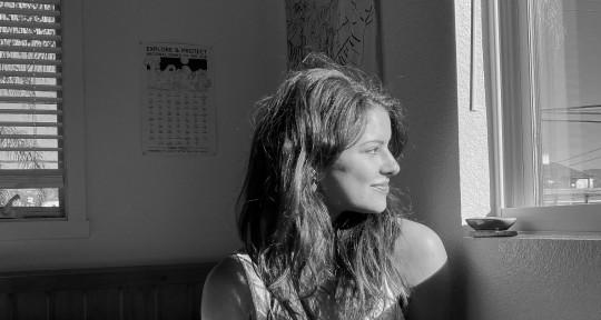 Singer, Vocalist - Solée Meidus