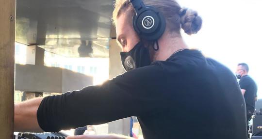 Mixer, Producer, Custom Music - Andreas Landeck