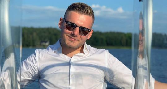 Singer/Songwriter - Axel Agdur