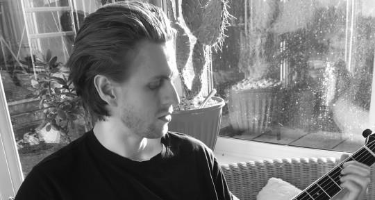 Singer-Songwriter/Producer - Kyle Roberts