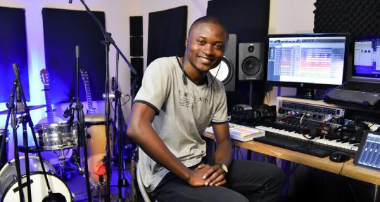 Remote Mixing and Mastering - Elie Lokosha
