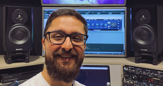 Remote Mixing and Mastering - Adriano Ferreira