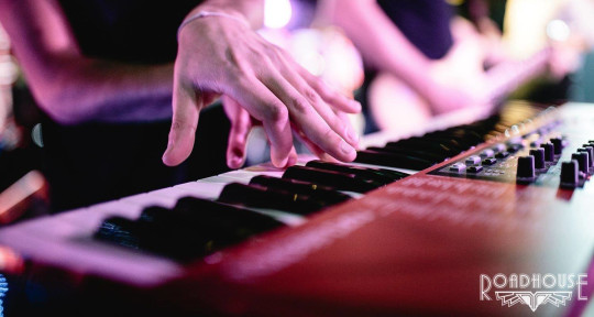 Session Keyboardist - Andreas Keys