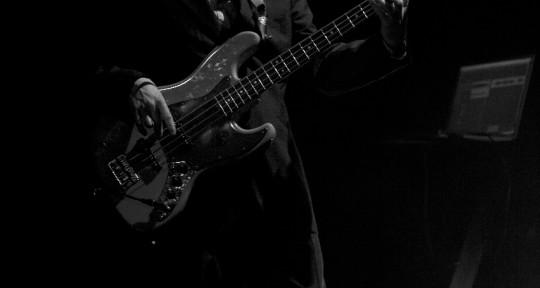 Producer/Bass Player/Guitarist - Iain Ross