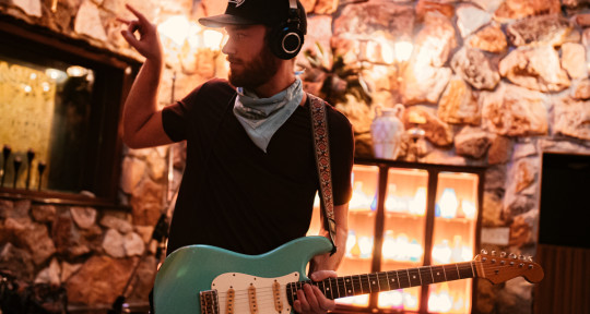 Session Guitarist - Greg Warns