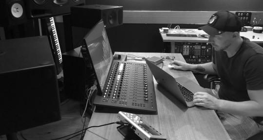 Mixing Engineer - Zolton