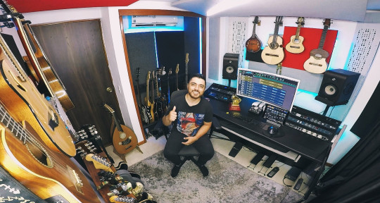 Session Musician / Guitarist - Daniel Uribe Colorado