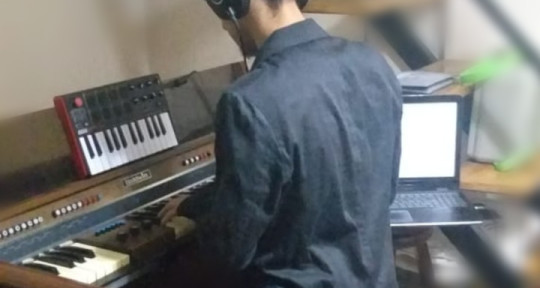 Music Producer - Elias Guerra