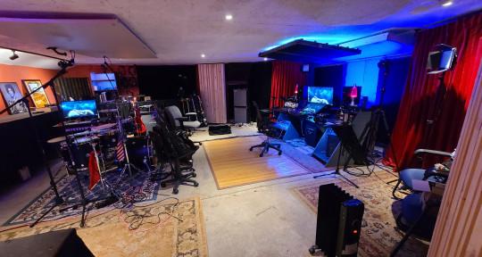 Mix engineer, recording studio - Evan Yoakum