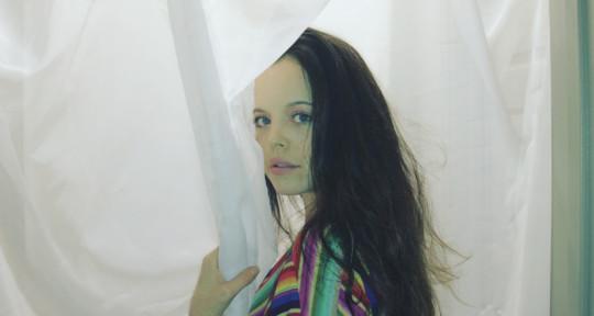 Topliner, Singer, Songwriter - Tea Elle