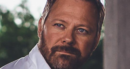 Vocalist & Songwriter - Niclas Lundin