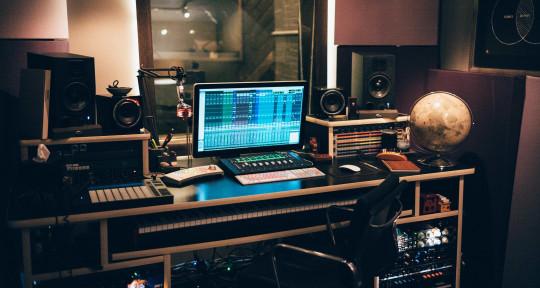 Music Production Studio - Moon Music