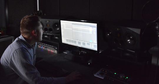 Producer / Mixer / Engineer - Jesper Holm Højholdt