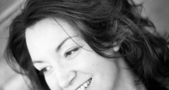 Singer/Songwriter/Producer - Cora Vasseur