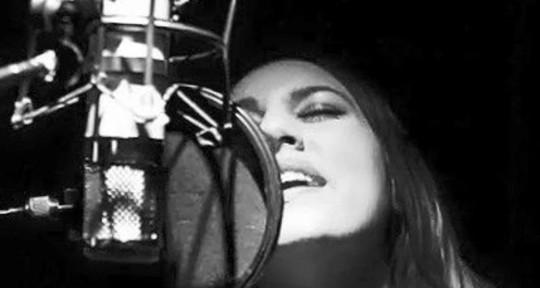 Singer/Songwriter - Rochelle Diamante