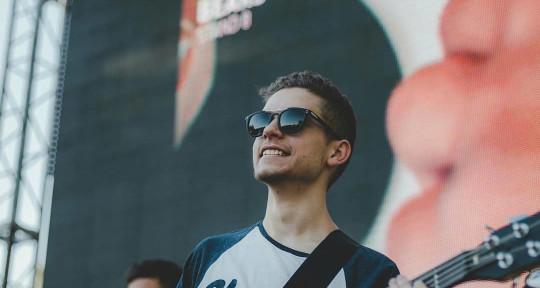 Session Bassist/Double Bassist - Tomas Haydu