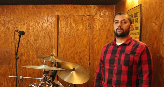 Session drummer - Maikon Queiroz