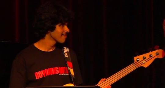 Keyboardist, bassist, composer - Shwetant Kumar