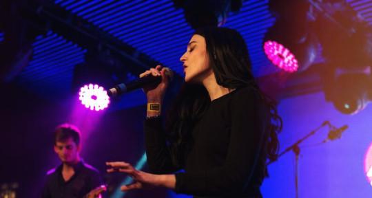 Singer, Vocal Arranger - Lucrezia