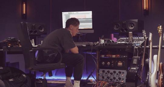 Music Producer / Mix Engineer  - Damian Kyle