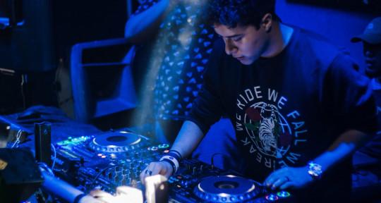 Music Producer / Mastering  - Omar Ayllón