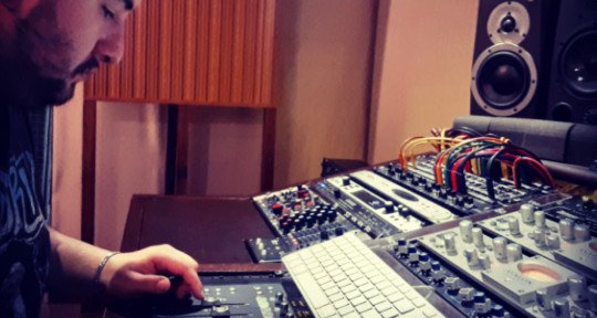 Mixing & Mastering Engineer - L. Scampamorte
