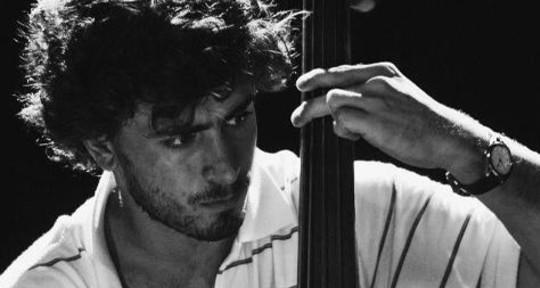 Vocalist, bass & upright bass - Sebastián de Urquiza