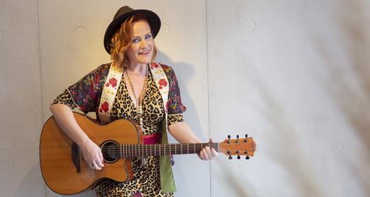 Vocalist, Topliner, Songwriter - Jodie Kean
