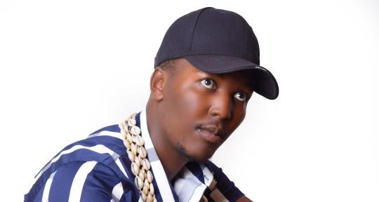 Afrosinger producer songwriter - Nes Mburu