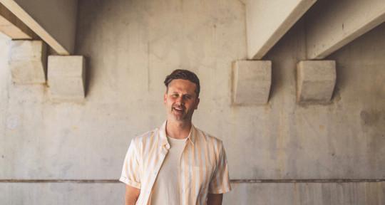 Vocals/Session bass Player - Heath Balltzglier