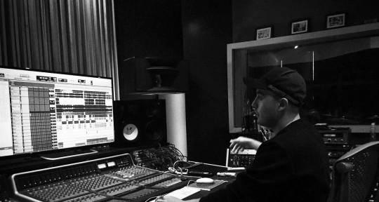 Mixer//Editor//Audio Director - Victor H. Cauduro